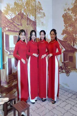 Vigo hơn 4 năm trong lĩnh vực cho thuê áo dài đã cho ra nhiều loại như: áo dài lễ tân, áo dài truyền thống, áo dài bưng quả, áo dài chụp hình, áo dài cô dâu..Mong muốn lưu giữ vẻ đẹp của tà áo dài Việt Nam trong các sự kiện đặc biệt, Vigo hy vọng là 1 địa điểm lý tưởng cho quý khách ghé thăm