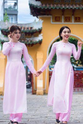 VIGO chuyên cho thuê aó dài bưng quả, áo dài cưới, áo dài lễ tân,... Mẫu áo dài hồng bên dưới là 1 ví dụ .Quý khách liên hệ Vigo để được tư vấn và báo giá